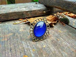 Prstene - Starobronzový filigránový prsteň s modrým kamienkom - 9972269_