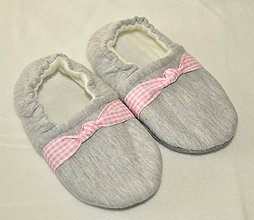 Topánočky - Capačky šedé s ružovou ozdôbkou 2-3 roky - 9973207_
