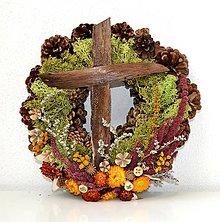 Dekorácie - Veniec na hrob s krížikom z kôry-prírodný - 9976606_