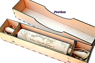 Pomôcky - Drevený valček s gravírovaním + drevená darčeková krabička (set) - 9977837_