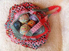 Nákupné tašky - Pestrofarebná háčkovaná sieťovka s dlhou rúčkou - 9977306_