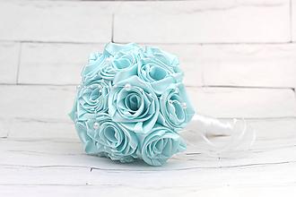 Kytice pre nevestu - Saténová kytica bledomodrá ruže - 9976254_
