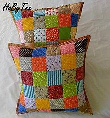 Úžitkový textil - Vankúš - farebné kocky - 9977185_