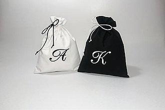 Úžitkový textil - Bavlnené vrecúško vyšívané monogram - 9980422_