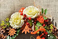 Dekorácie - Dušičkový veniec s ružami - 9979980_