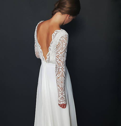 Svadobné šaty s dlhým rukávom so sukňou do A