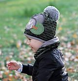 Detské čiapky - Tmavo zelený set so sivým paroháčom a brmbolcom - 9984733_