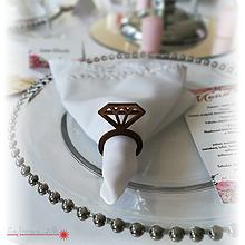 Dekorácie - Obrúčky na servítky k svadobnému stolu - 9981308_