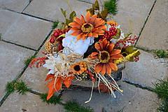 - Jesenná dekorácia v prútenej nádobe s lístkom - 9983072_