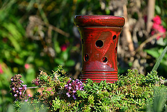 Svietidlá a sviečky - Aromalampa - červená (s bodkami) - 9981499_