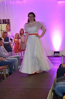 Šaty - Svadobné šaty bodka ..... - 9983575_
