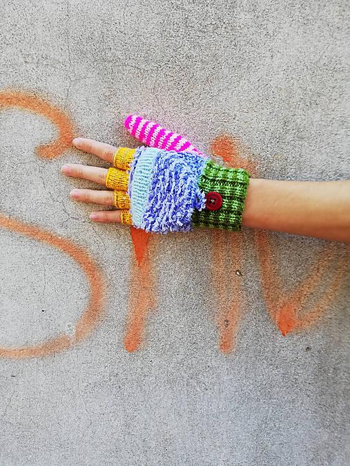 Otváracie pestré rukavice