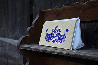 Kabelky - DREVENÁ KABELKA ČATAJSKÉ VTÁČIKY (25x15x7cm - Biela/smrek) - 9987833_