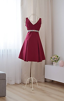 Šaty - Šaty s véčkovým výstrihom - 9987179_