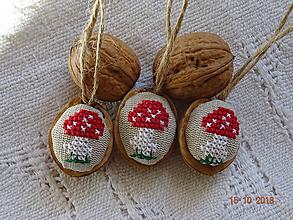 Dekorácie - Oriešky vianočné muchotrávky vzorč.3 - 9985987_