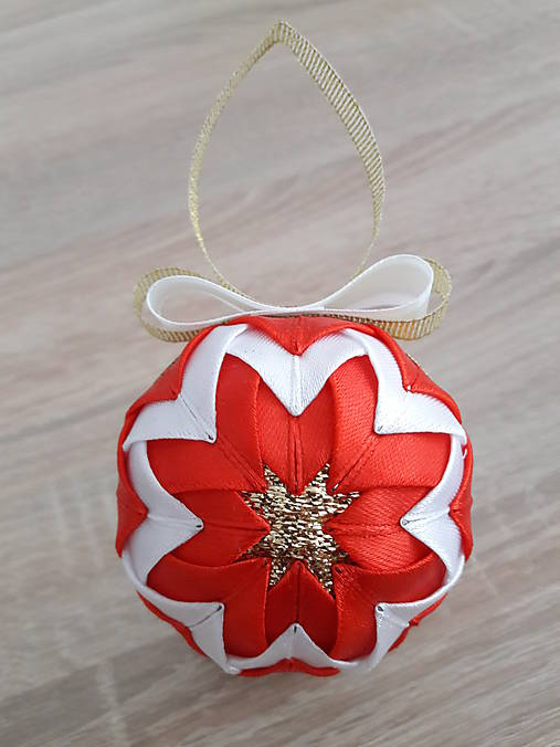 d7880f154 Vianočná guľa - patchwork (Červená) / Tatiana1982 - SAShE.sk ...