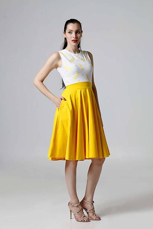Šaty žlto biele s vyšším pásom   ZuzanaZachar - SAShE.sk - Handmade Šaty 84d07eb0801
