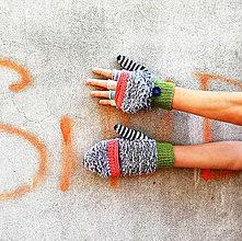 Rukavice - Otváracie sivé našuchorené rukavice - 9997182_