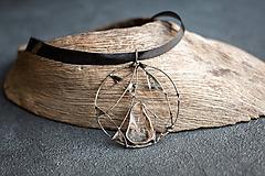 Náhrdelníky - cínovaný prívesok s krištáľom - 9996340_