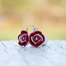 Náušnice - červeno-biele kvety - zatvárateľné náušnice - 9994369_
