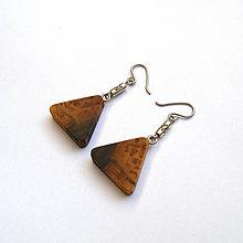 Náušnice - Orechové trojuholníčky - 9996547_