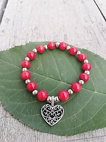 Náramky - Detský náramok z červeného koralu so srdiečkom - 9999749_