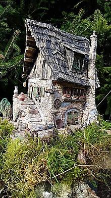 Socha - kamenný domček z keramiky - 9997761_