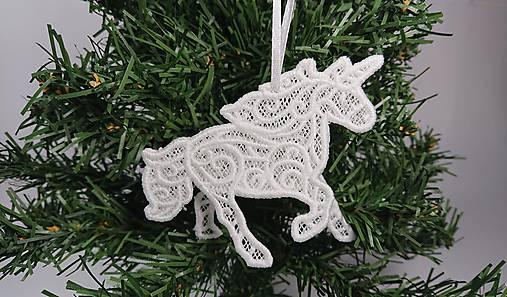 Vianočná ozdoba čipkovaný jednorožec (Biela)
