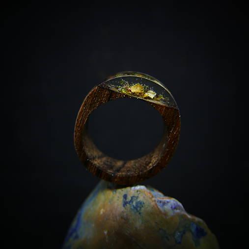 Drevený prsteň: Pod starou lipou