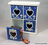 Krabičky - štvoršuplíková skrinka Modrá so srdiečkami - 9999997_