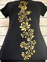 Tričká - Ľudový zlatý ornament- dámske maľované tričko - 10004628_