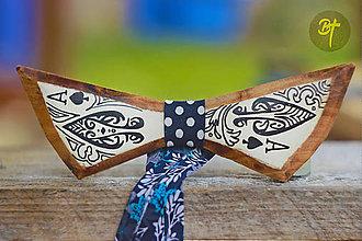 Doplnky - Drevený motýlik - Eso - 10004369_