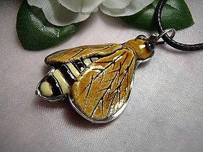 Náhrdelníky - keramika ..včielka - 10004537_