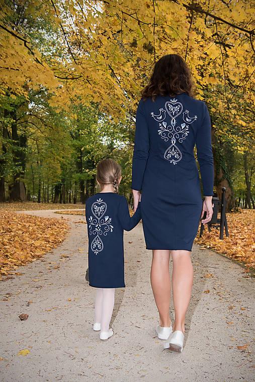 c742282e480 Tmavomodré šaty - folk   miracles.style - SAShE.sk - Handmade Šaty
