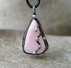 Náhrdelníky - Ružový opál prívesok/náhrdelník - 10007306_