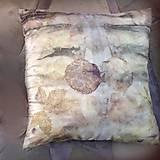 - Vôňa lístia- hodvábna ecoprinting obliečka na vankúš - 10010557_