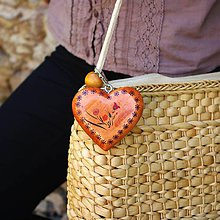 Iné šperky - Drevený prívesok na kabelku – škoricové srdce Vidiecky motív - 10012026_
