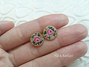 Náušnice - 18K ružovým zlatom pozlátené strieborné náušnice s výšivkou - 10010103_