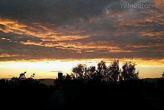 Fotografie - Nevšedný koniec dňa - 10011272_