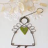 Dekorácie - anjel so srdiečkom- vianoce (zelené srdiečko) - 10015672_
