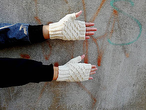 Rukavice - Rukavice s plastickým vzorom maslovobiele - 10016119_
