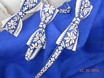 """Doplnky - Folk motýlik """" Blue & white"""" - krížikový, ako vyšívaný - 10016238_"""