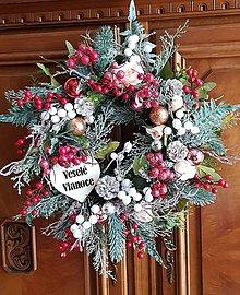 Dekorácie - Vianočný veniec na dvere - 10013398_