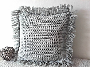 Úžitkový textil - Vankúš svetlošedý so strapcami - 10013080_