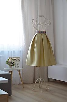 Sukne - KRÁTKA skladaná sukňa s folklórnym pásom  (obvod pásu do 80cm) - 10015159_