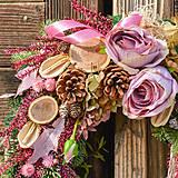 Dekorácie - Veniec s ružami - 10013302_