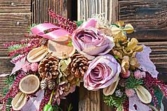 Dekorácie - Veniec s ružami - 10013307_