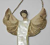 Dekorácie - keramický anjelik na zavesenie - 10014522_