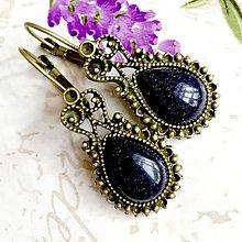 Náušnice - Vintage Blue Sandstone Teardrop with Ornaments Earrings / Bronzové náušnice tvar slzy s modrým slneč. kameňom rek. /1058 - 10018644_