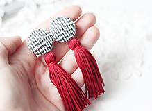 - Kárované náušnice so strapcom - 10017662_
